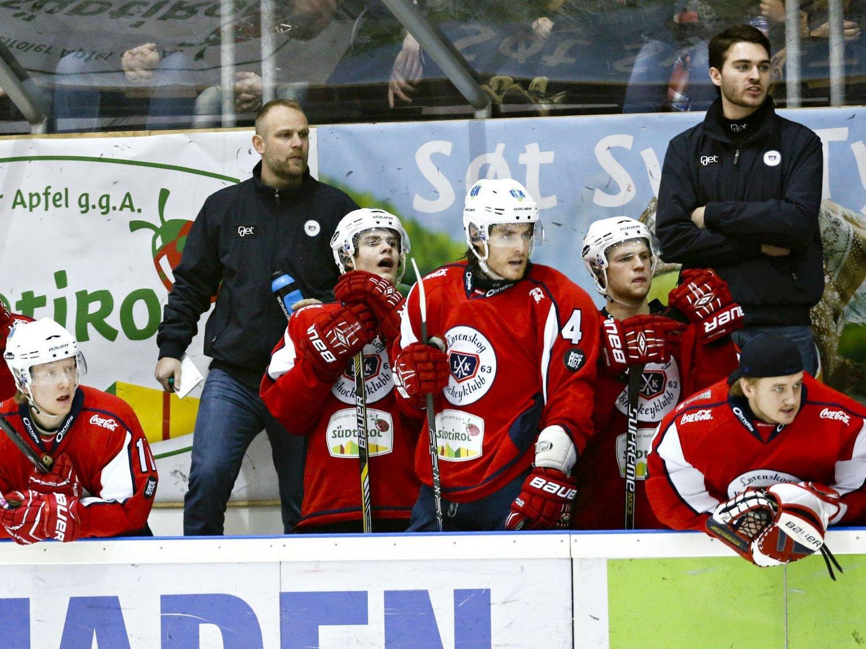 UTE AV SLAG: Trener Kenneth Larsen og Lørenskog tapte for femte gang på rappen. Denne gangen mot svakt plasserte Manglerud Star.