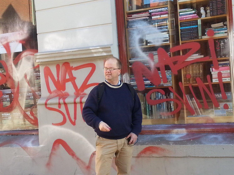 Max Hermansen velger å legge ned bokhandelen.