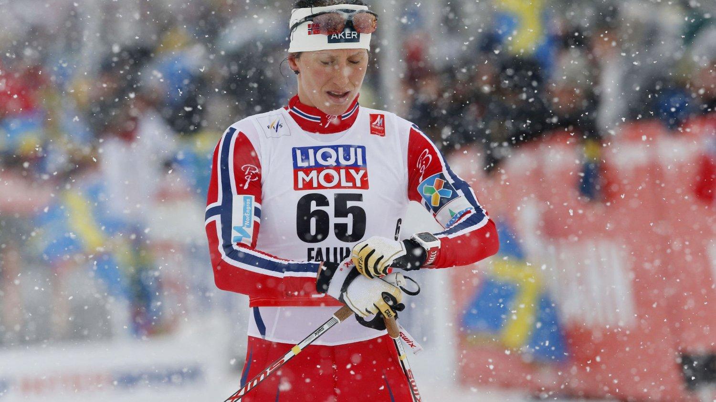 HVA SKJEDDE? Marit Bjørgen depper etter kvinnenes 10 kilometer.