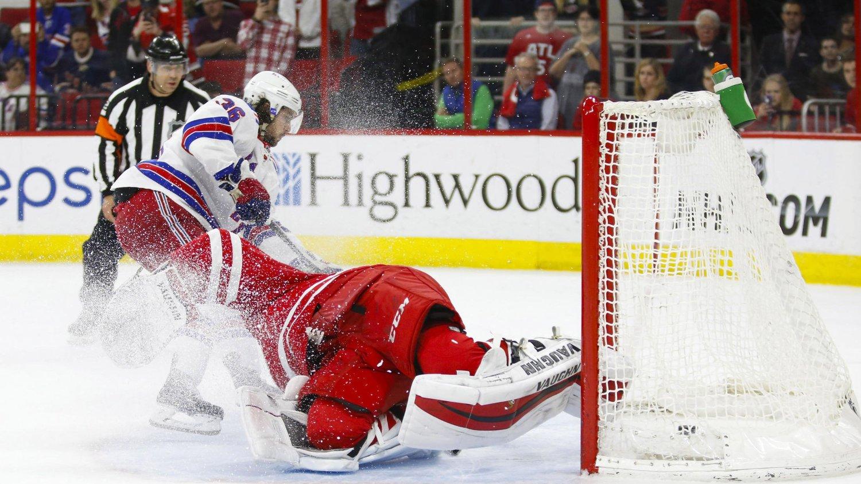 VANT: Mats Zuccarellos scoring i straffekonkurransen sikret New York Rangers seier.