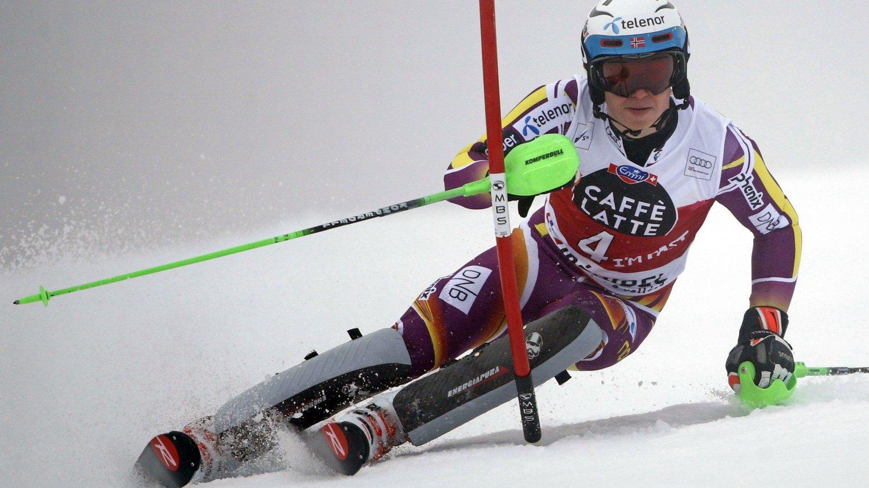 KJEMPER OM SEIEREN: Henrik Kristoffersen er nummer to etter førsteomgang.