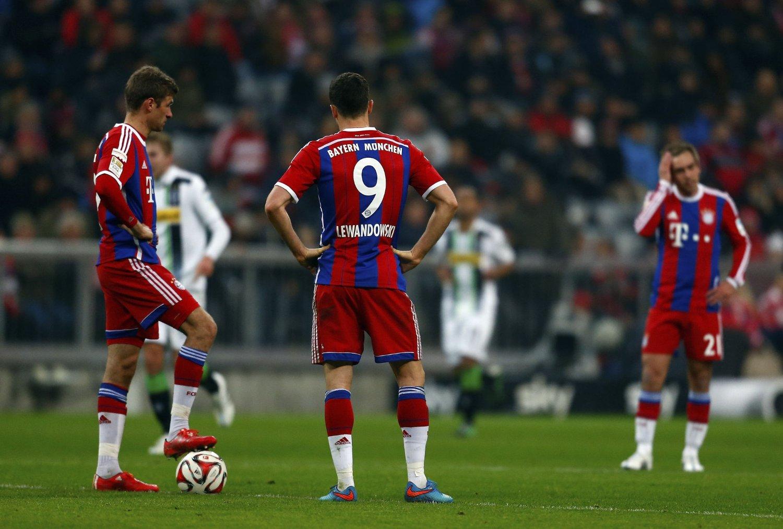 Bayern München gikk på et svært overraskende 3-0-tap hjemme mot Borussia Mönchengladbach.