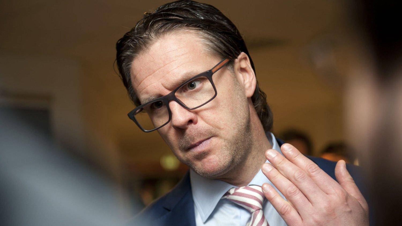 BLIR HYLLET: Rikard Norling får gode skussmål i en ny, svensk bok.