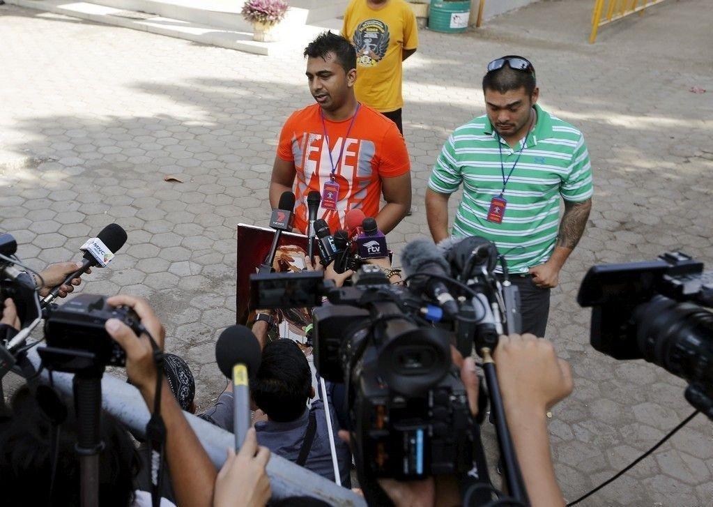 Michael Chan og Chintu Sukamaran, brødrene til narkotikasmuglerne Andrew Chan og Myuran Sukumaran snakket med pressen like før henrettelsene tirsdag.
