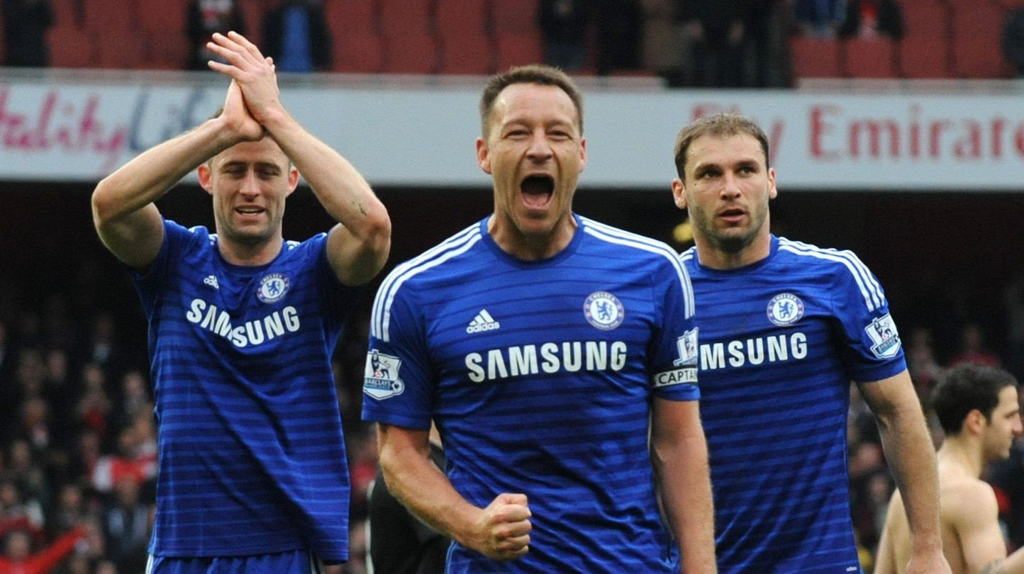 FORSVARSSJEFENE: Gary Cahill (f.v), John Terry og Branislav Ivanovic skal ha mye av æren for at Chelsea mest sannsynlig vinner Premier League denne sesongen.
