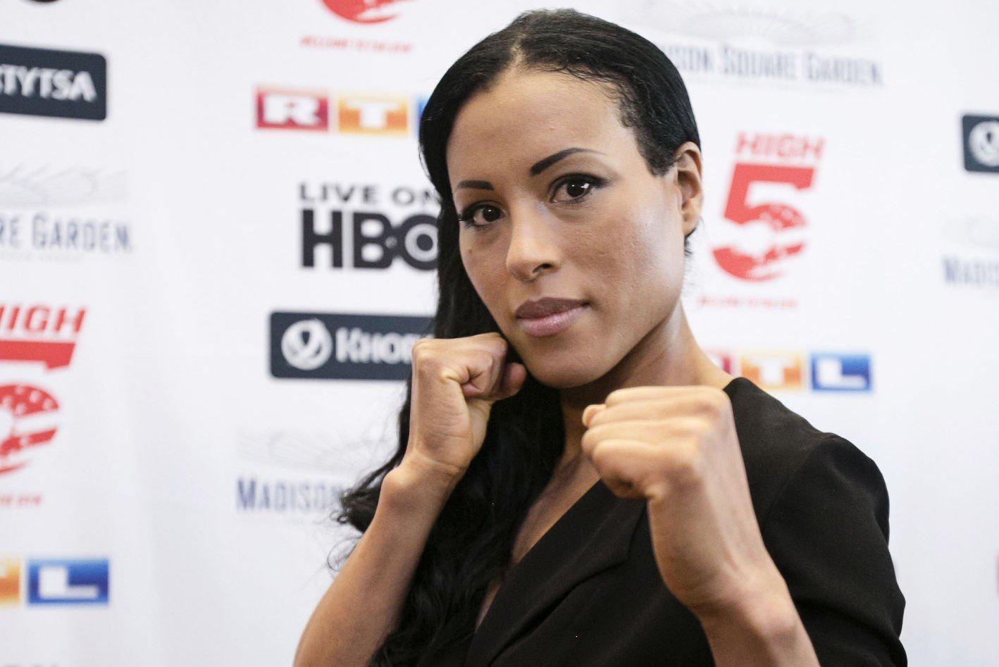 Cecilia Brækhus gleder seg til storkampen mellom Floyd Mayweather og Manny Pacquiao.
