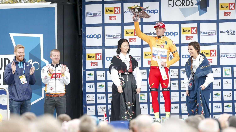 2. etappe av sykkelløpet Tour des Fjords 2015. Alexander Kristoff med ledertrøyen i rittet Foto: Jan Kåre Ness / NTB scanpix