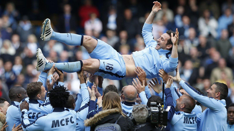 ÆRESPRIS: Det er ikke bare lagkameratene i Manchester City som setter pris på Frank Lampard.