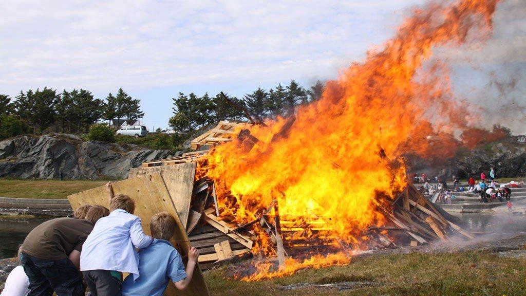 Sankthansaften tirsdag 23. juni blir det mange bål rundt Oslofjorden.