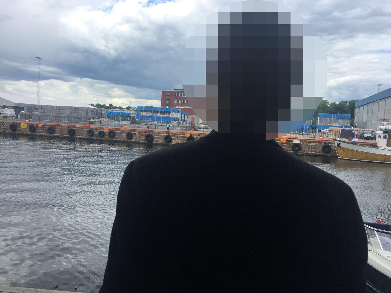Denne finansrådgiveren lever av å pushe aksje- og rentefond på norske privatkunder. Han kan ikke stå frem med sin identitet, da han ville fått sparken på flekken.