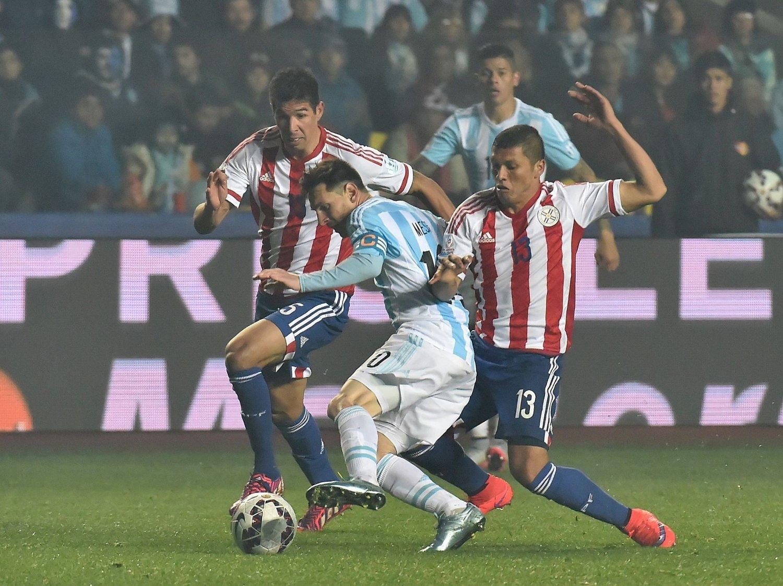 STORSPILTE: Lionel Messi viste fram ferdigheter i topp klasse mot Paraguay.
