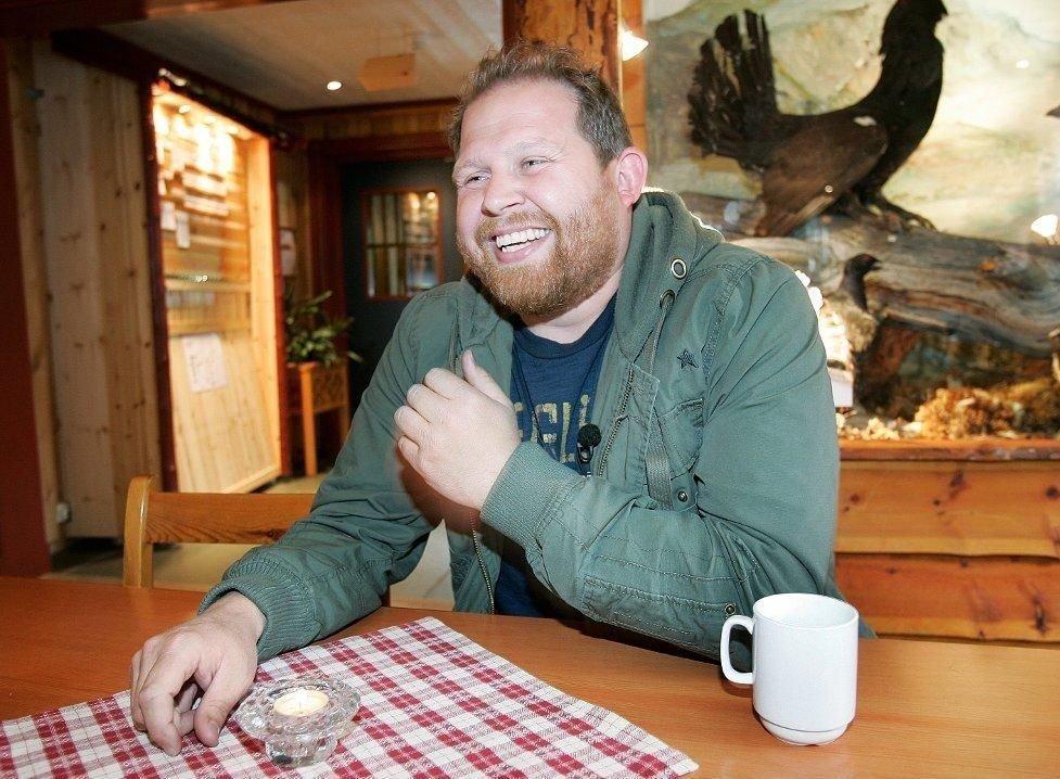 SUKSESS: Truls Svendsens karriere fikk enda en opptur etter å ha gått over Grønland med eventyreren Cecilie Skog. Men også på økonomisiden går det så det griner for den folkekjære Tromsø-komikeren. Foto: Torgrim Rath Olsen (Nordlys)