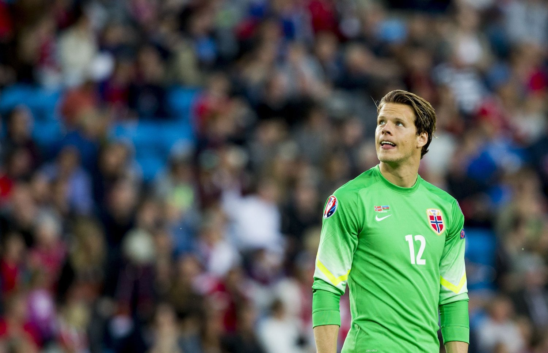 TYSKLAND: Ørjan Nyland er klar for Bundesliga-spill.
