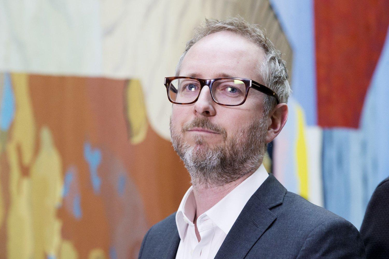 – Eurolandene låser Hellas inne i gjeldsfella og mange år med tilbakegang, mener SV-nestleder Bård Vegar Solhjell.
