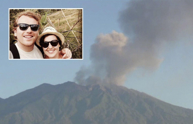 Mads Myredal Thorsen og Birgitte Vaksdal kommer seg ikke hjem fra Bali. Raung-vulkanen på Java i Indonesia har sendt ut aske og røyk i snart en uke.