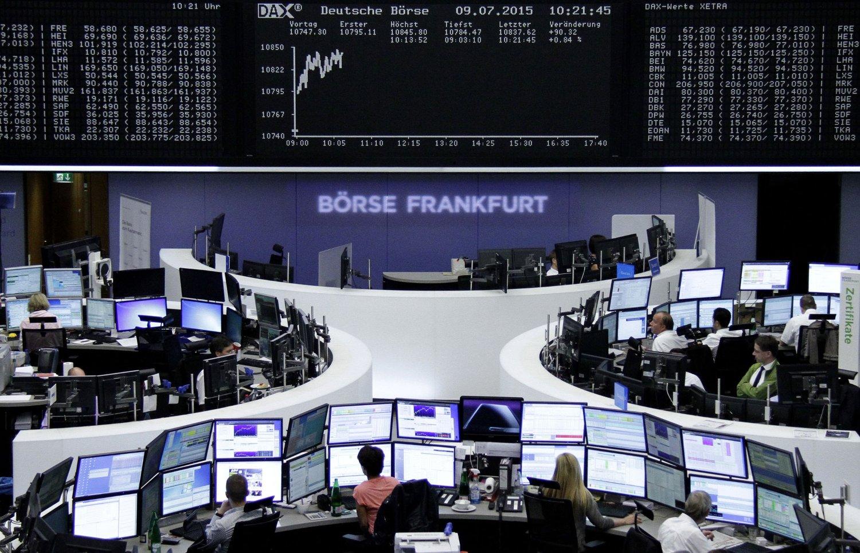 DAX 30-indeksen i Frankfurt stengte med en oppgang på 2,9 prosent fredag.