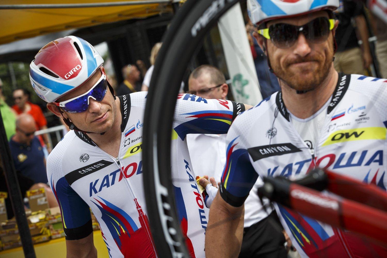 PÅ HJUL: Luca Paolini (til høyre) er en viktig hjelper for Alexander Kristoff (til venstre).