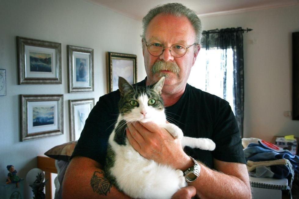 Knut Sæther i Dyrebeskyttelsen sier kattene som forsvinner er vanlige huskatter. (Foto: Andreas Trygstad)