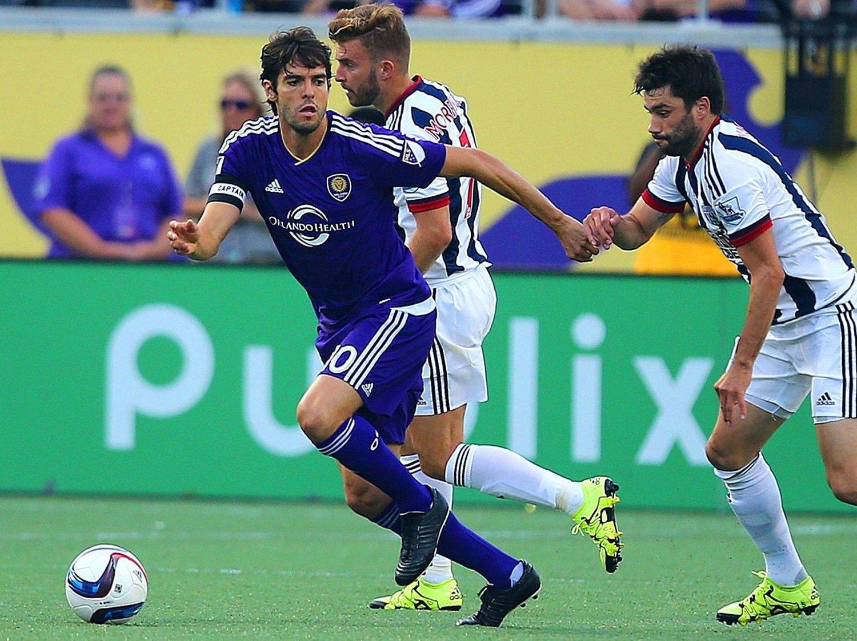 BEST BETALT: Orlando City-profilen Kaká hever den høyeste lønnen i den nordamerikanske fotballigaen MLS. De engelske stjernene Steven Gerrard og Frank Lampard må se seg slått av tre andre på inntektstoppen.