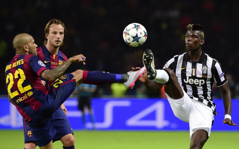 DROPPER PREMIER LEAGUE? Paul Pogba (til høyre) kan bli å finne i Barcelonas drakt neste sesong. I juni tapte han Champions League-finalen med Juventus mot nettopp Barcelona.
