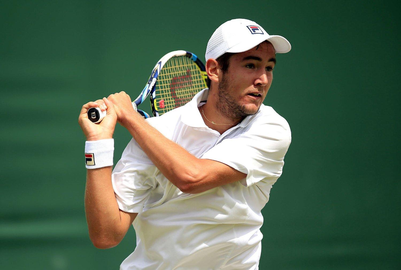 STEG OPP: Viktor Durasovic ordnet opprykk til 2. divisjon for Norge sammen med Casper Ruud. Her er Durasovic avbildet under Wimbledon-turneringen tidligere i sommer.