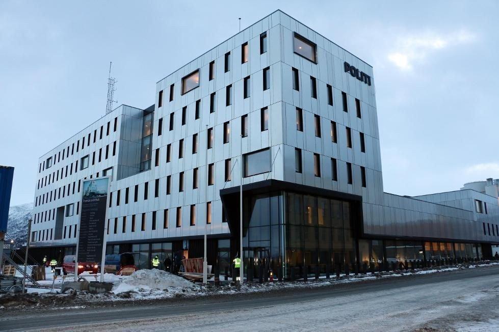 OMKOM: En mann ble funnet død i arresten på politihuset i Tromsø fredag.