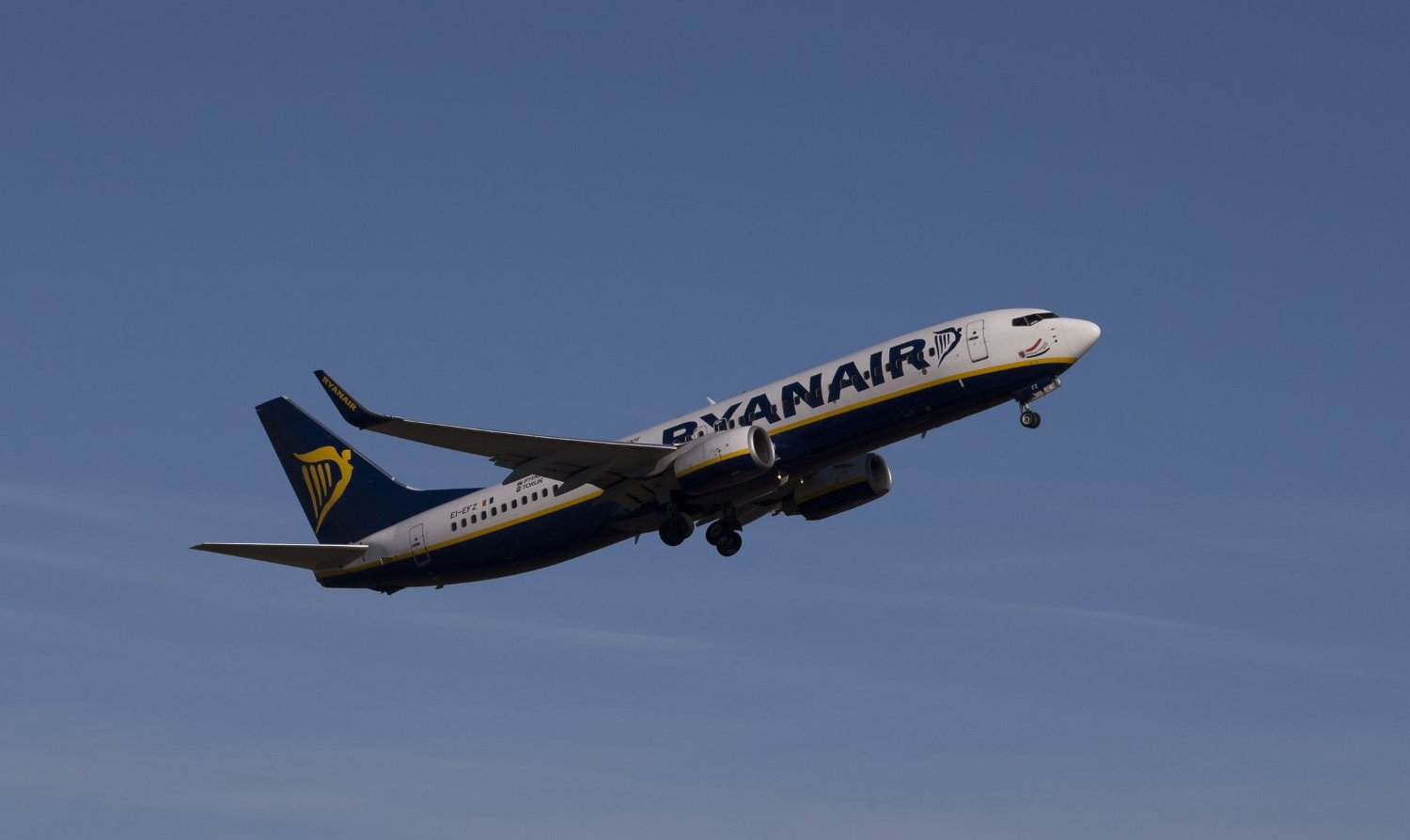 Et Ryanair-fly på vei til Stansted flyplass, London.