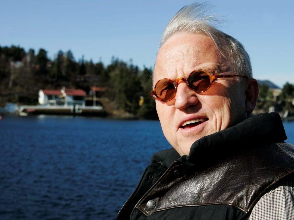 Den kjente arkitekten Finn Sandmæl (bildet) er involvert i en bitter nabostrid med bilfamilien Kolberg.