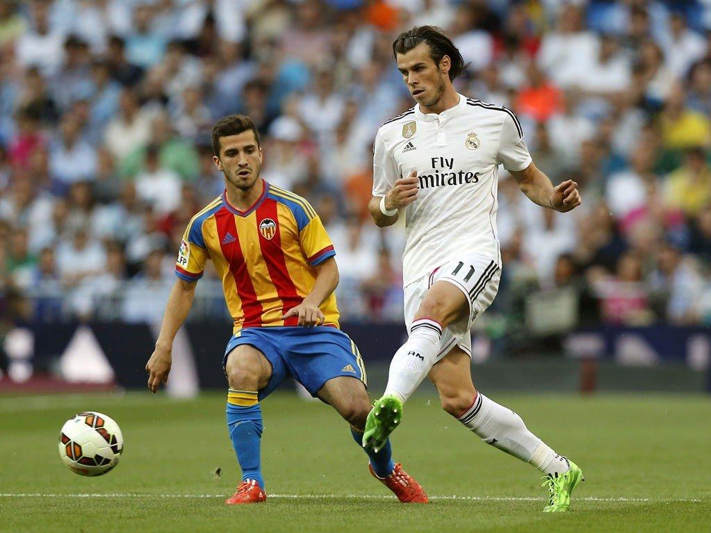 ENGLAND NESTE STOPP? Gareth Bale holder koken i Real Madrid, men Valencia-backen José Luis Gayà er muligens en enklere mann å få tak i.
