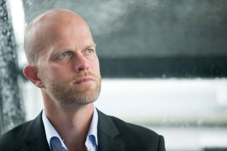 SKAK DELE UT SLØSEPRIS: Hallgeir Kvadsheim, kjent fra «Luksusfellen» på TV3.