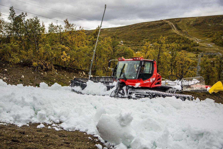 SNØ I SEPTEMBER: På Geilo Alpinsenter har de allerede snø, og åpner en bakke til helgen.
