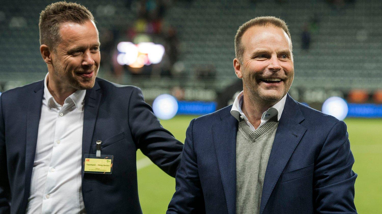 Geir Bakke (t.h.) smilte fra øre til øre etter torsdagens semifinaleseier mot Viking.