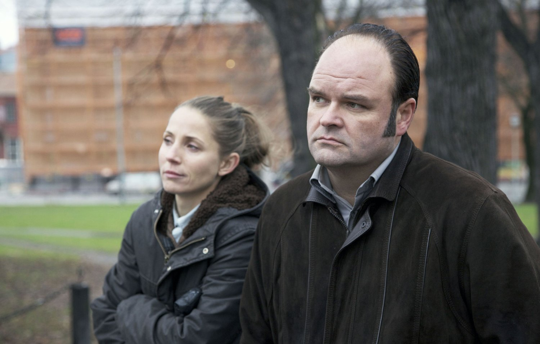 FLOPPER: Skuespiller Tuva Novotny og Atle Antonsen sliter med å holde på seerne i komiserien «Dag».