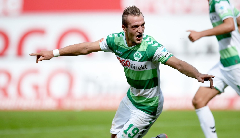 SCORET: Veton Berisha scoret da Greuthger Fürth tapte.