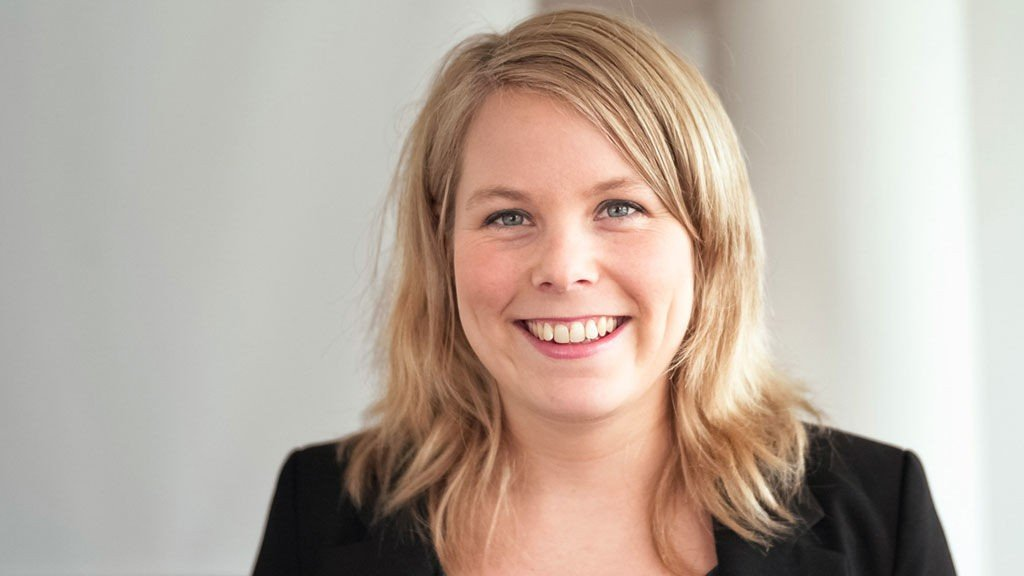 Stortingsrepresentant Kirsti Bergstø (SV) advarer mot aktivitetsplikt fordi hun mener det kan slå skjevt ut.