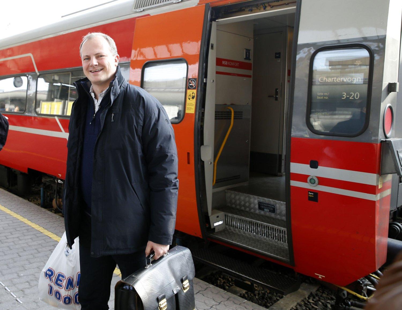 Samferdselsminister Ketil Solvik-Olsen mener de rødgrønne byrådspartiene i Oslo er på feil spor.