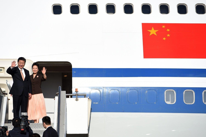 Kinas mektige president Xi Jinping sammen med kona Peng Liyuan avbildet etter å ha deltatt på et G20-toppmøte i Australia i fjor.
