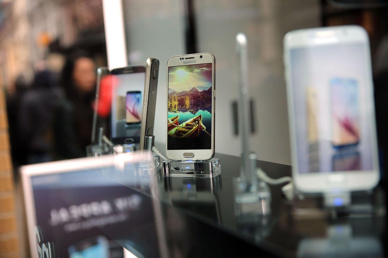 Samsung smarttelefoner har en stor del av æren for selskapets suksess. Her Galaxy S6 for salg.