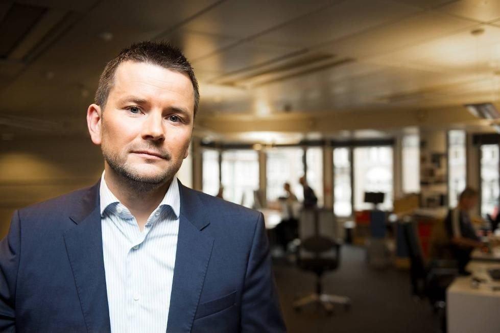 Sjefredaktør Øyulf Hjertenes i BT måtte informere redaksjonen om at 25-30 stillinger skal kuttes til neste år.