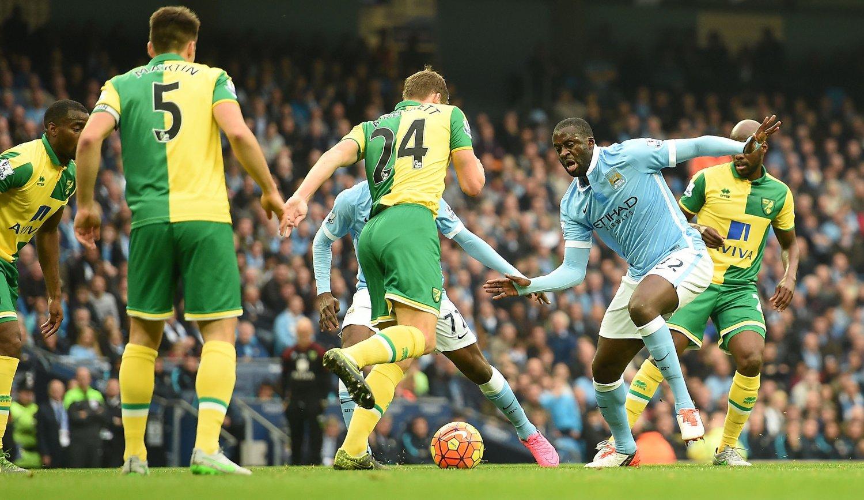 AVGJORDE: Yaya Toure avgjorde mot Norwich.