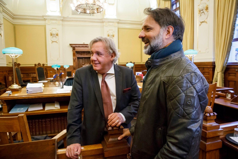Filmskaper Imtiaz Rolfsen og advokat Kim Gerdts i Høyesterett.