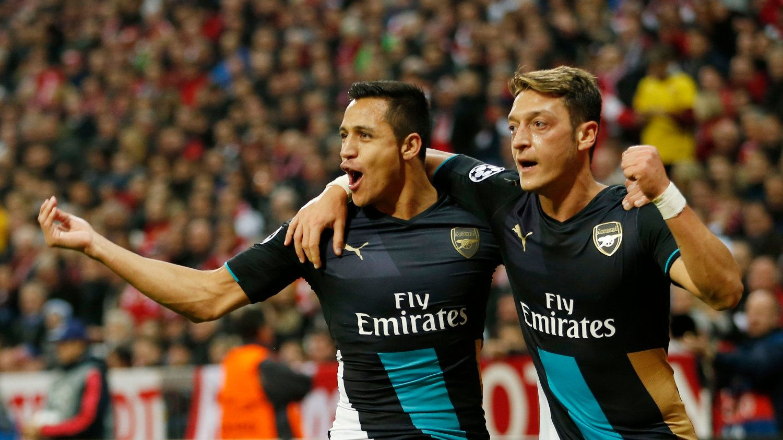 SUPERDUO: Det kan gå mot flere år i Arsenal for Alexis Sánchez og Mesut Özil.