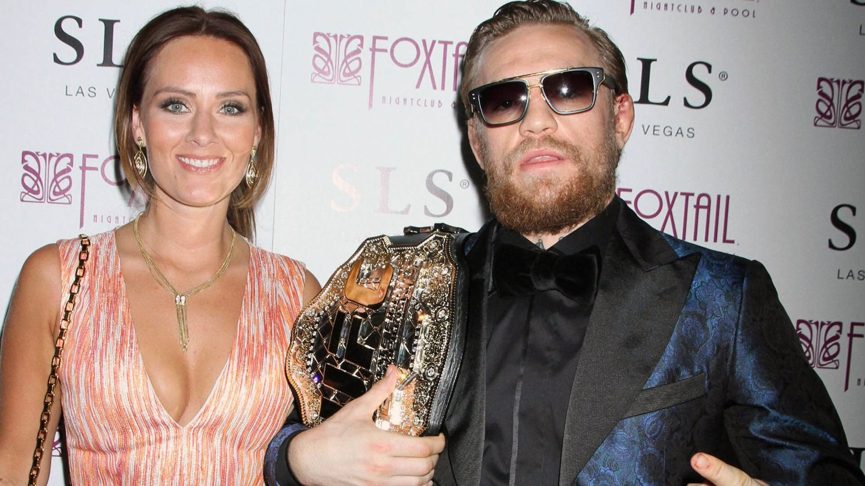 HET: Conor McGregor sopte inn 101 millioner kroner på 13 sekunder. Her sammen med kjæresten Dee Devlin.