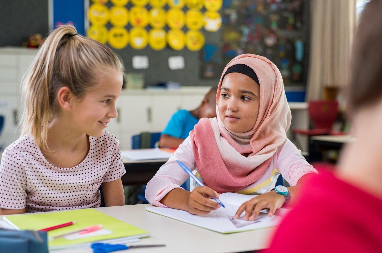 - Jentene som går uten hijab vil anses som mindre verdt, mindre ærbare, uavhengig av religiøs bakgrunn. Illustrasjonsfoto: Istock