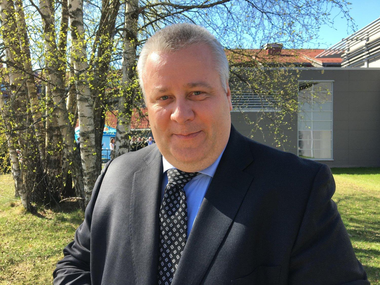 SVINERI: Nyutnevnt landbruksminister Bård Hoksrud (Frp) må gjøre noe med den voldsomme overproduksjonen i norsk landbruk.