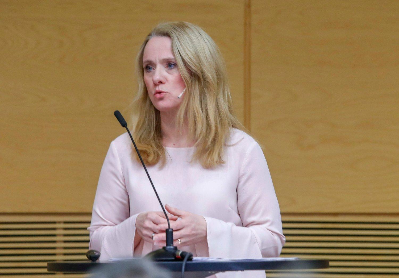 – Ledigheten faller mest på sørvestlandet, innen ingeniør- og IKT-fag og blant menn, sier arbeidsminister Anniken Hauglie (H). Foto: Terje Bendiksby / NTB scanpix