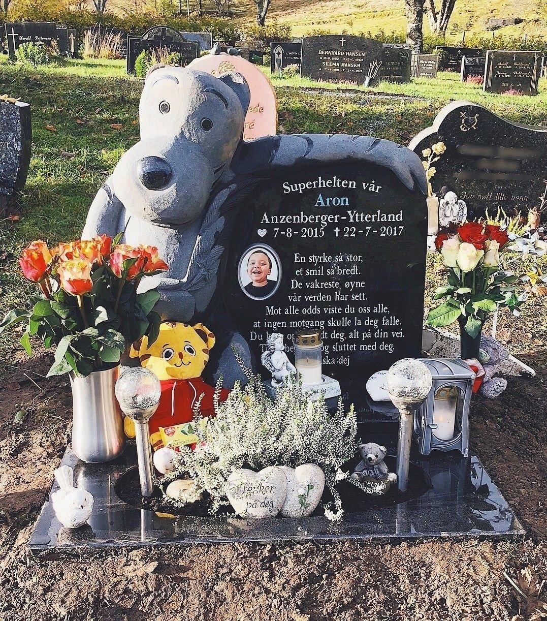 Aron døde før han ble to år.