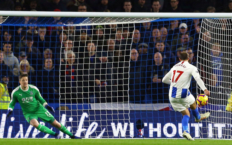 Glenn Murray scoret på straffe for Brighton. Foto: Gareth Fuller/PA via AP / NTB scanpix