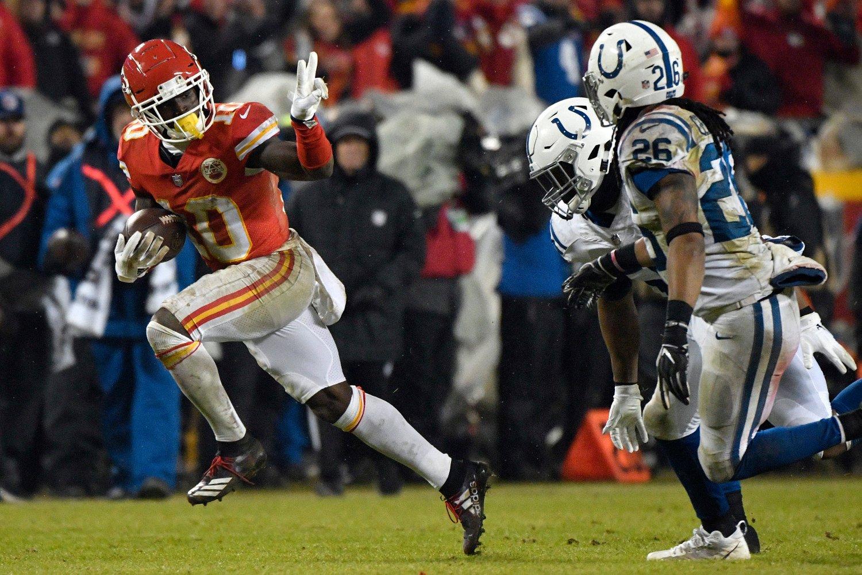 Tyreek Hill og Kansas City Chiefs var for gode for Indianapolis Colts i lørdagens NFL-kvartfinale. Foto: Ed Zurga, AP / NTB scanpix