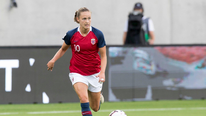 24: Caroline Graham Hansen ble 10. mestscorende kvinne på landslaget da hun nettet to ganger i 3-1-seieren mot Skottland på La Manga.